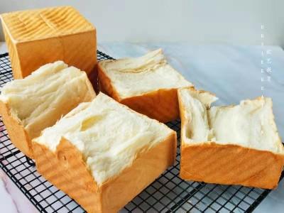 牛奶土司面包:马苏里拉奶酪吐司怎么做