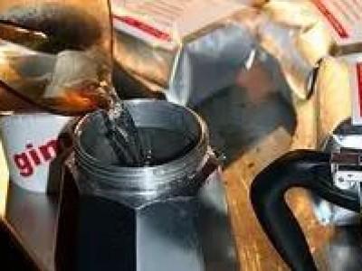 用摩卡壶萃取咖啡,简单便携最易上手